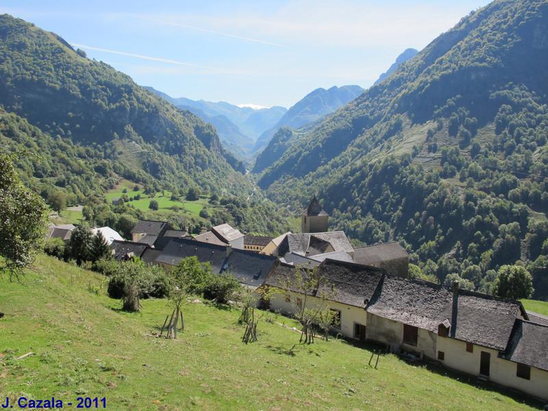 Le petit village de Cette dans la Vallée d'Aspe