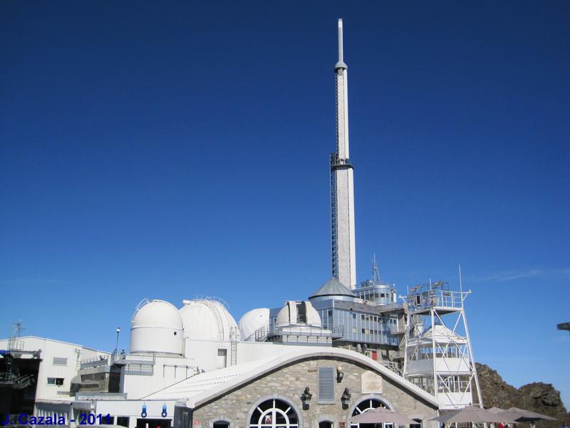 La terrasse principale au sommet du Pic du Midi !
