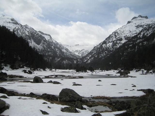 Le plateau du Marcadau et le Pont dEspagne au début du printemps