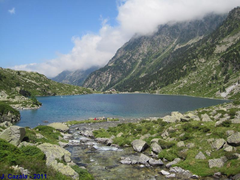 Le lac d'Estom dans la vallée du Lutour