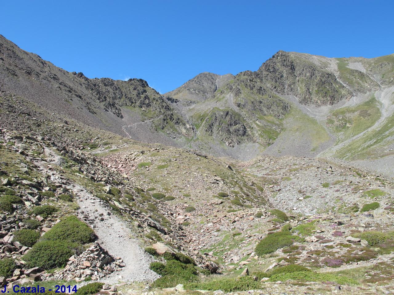 La montée vers le sommet du Carlit