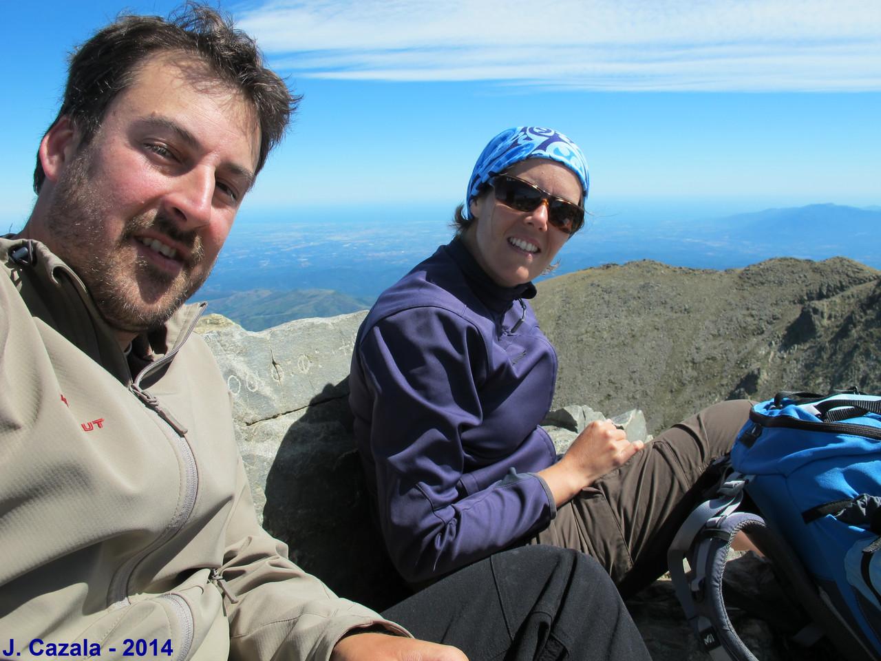 Jérôme et Adeline au sommet du Canigou