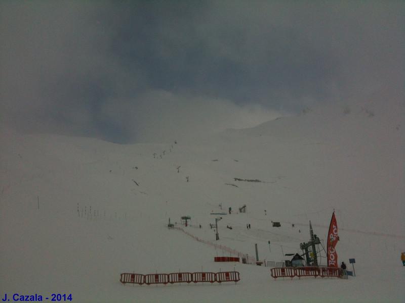 Une belle chute de neige tardive de fin de saison à Cauterets